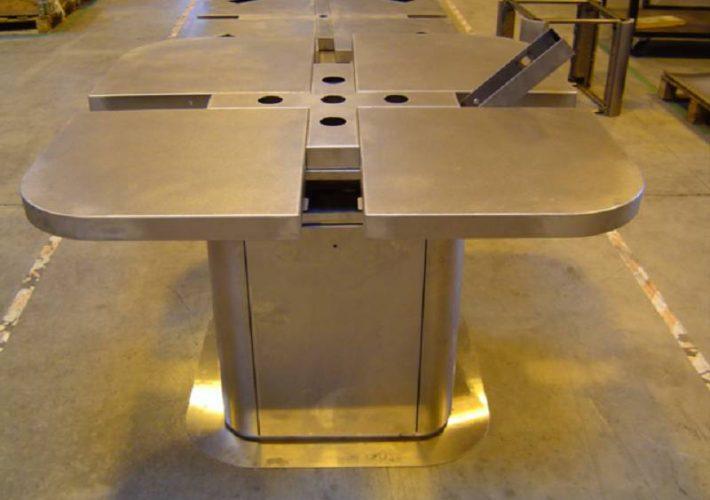 agencement de magasin - travail de l'acier